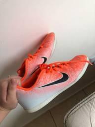 Chuteira da Nike tamanho 38