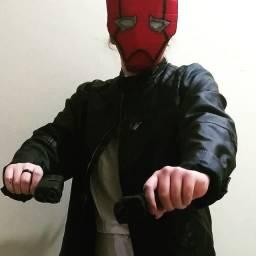 Máscaras e objetos de cosplay por encomenda S.S.I