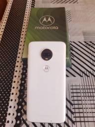 Motorola g7 plus 64 GB e 4 de RAM