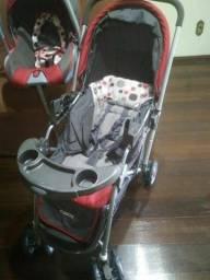 Carrinho de bebe e bebê conforto