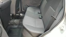 Classic Ls Vhc-e 1.0 Modelo 2014 4 Portas Gnv e Gasolina