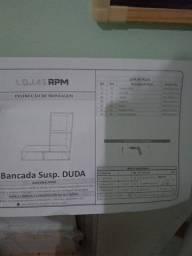 Armário suspenso com bancada para microondas ou impressora