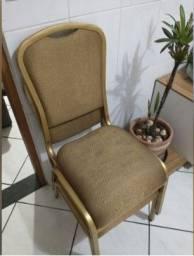 Cadeiras Douradas de ferro estofadas