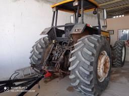 Trator Valtra BM 140