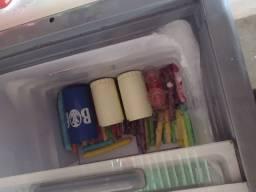 Vendo freezer metal frio *)  troco por cervejeira ou freezer 2 portas