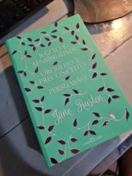 Livro Razão e sensibilidade, orgulho e preconceito e persuasão em um só. Jane Austen