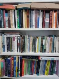 Título do anúncio: Muitos livros seminovos