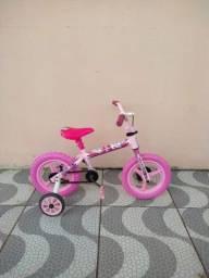 Bicicleta feminina aro 12 bem conservada por 130 reais!