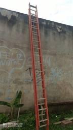 Escada semi nova 8 metros