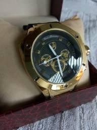 Relógio Tonino Lamborghini dourado