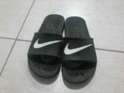 Sandália Nike tamanho 39