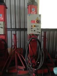 Vende-se elevador hidráulico para ônibus e caminhões