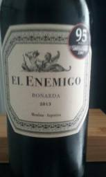 Vinho El Enimigo Bonarda 2013