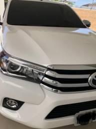 Vende-se Hilux SRX praticamente zero Km com apenas 2.880 km rodados - 2018