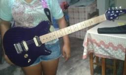 Guitarra Memphis Roxa 300 reais
