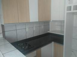 A611 - AP 2 quartos com cozinha mobiliada