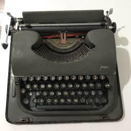 Máquina portátil de escrever Japy