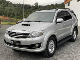 Toyota/sw4 srv 3.0 7l 2014