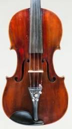 Violino de autor catalogado