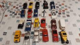 Vendo coleção de carrinhos miniatura em ferro variados modelos