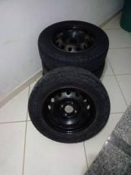 Roda de ferro com pneus ATR Pirelli