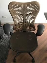 Cadeira Herman Miller Mirra