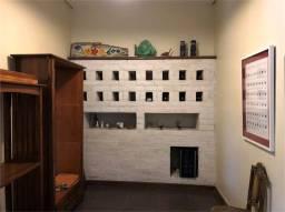 Casa à venda com 3 dormitórios em Granja viana, Carapicuíba cod:REO574044