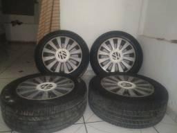 Rodas de liga leve 15 com pneu