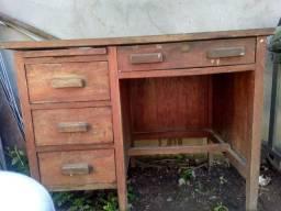 Vendo escrivaninha madeira maciça