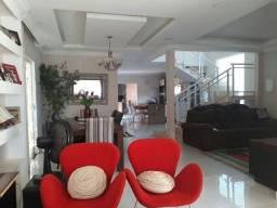 Belíssima casa em condomínio fechado, 3 suítes, sendo 1 máster Macaé RJ! Costa Paradiso.