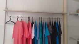 Ararás para loja de roupa/provador