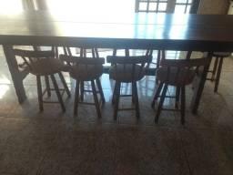 Vendo mesa com 9 bancos