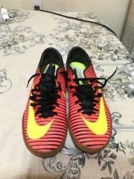 Sapato futsal, valor 150