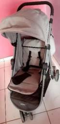 Título do anúncio: Vendo carrinho de bebê unissex