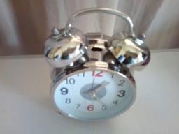 Relógio Despertador com Campainha modelo antigo colecionador