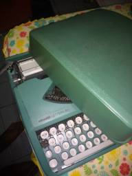Título do anúncio: Máquina de escrever portátil antiga