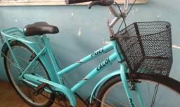 Vendo bicicleta semi-nova .R$250,00
