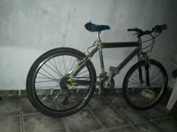 Vendo bicicleta preço negociável