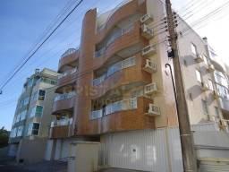 Apartamento com 03 dormitórios á 150 metros da praia de Bombas. Cód.142a