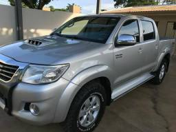 Toyota Hilux srv 4x4 automática 2012 - 2012