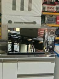 Promoção De R$ 520,00 Por R$ 500,00 - Forno Micro-Ondas Philco Espelhado PME31 - 31 Litros