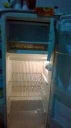 Vendo geladeira e rake no preço!!