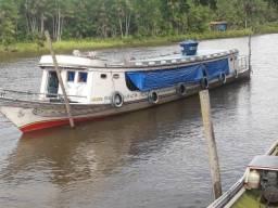 Barco em madeira, Itaúba preta, motor mwm série 10 de 6 cilindros
