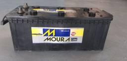 Bateria Caminhão Moura 180ampéres com 3 meses de garantia. 250,00 à base de troca.