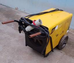Máquina solda ESAB trifásico 220v R$ 950,00