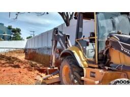 Locação de Retroescavadeira, Terraplanagem, Escavações, Limpeza de terreno, Demolição