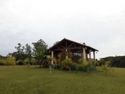 Velleda oferece lindo sitio de 2 hectares, 2 casas em ótimo cond fechado