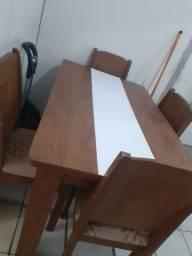 Mesa em Madeira,para colocar preço