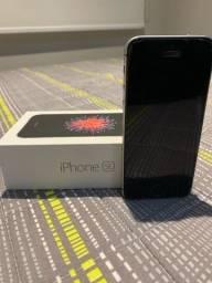 Título do anúncio: iPhone SE 128gb com tudo original