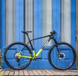 Bicicleta Elite Carbon Racing XT 2021 Aro 29 Quadro 17 Carbono Preto/Amarelo -
